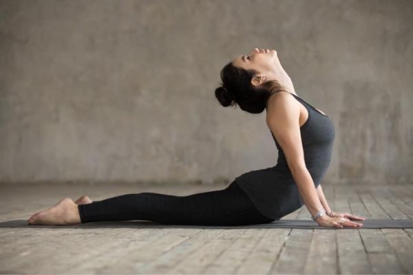 Pose Yoga Hilangkan Stres